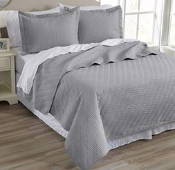 Emerson Collection 3-Piece Luxury Quilt Set with Shams. Soft