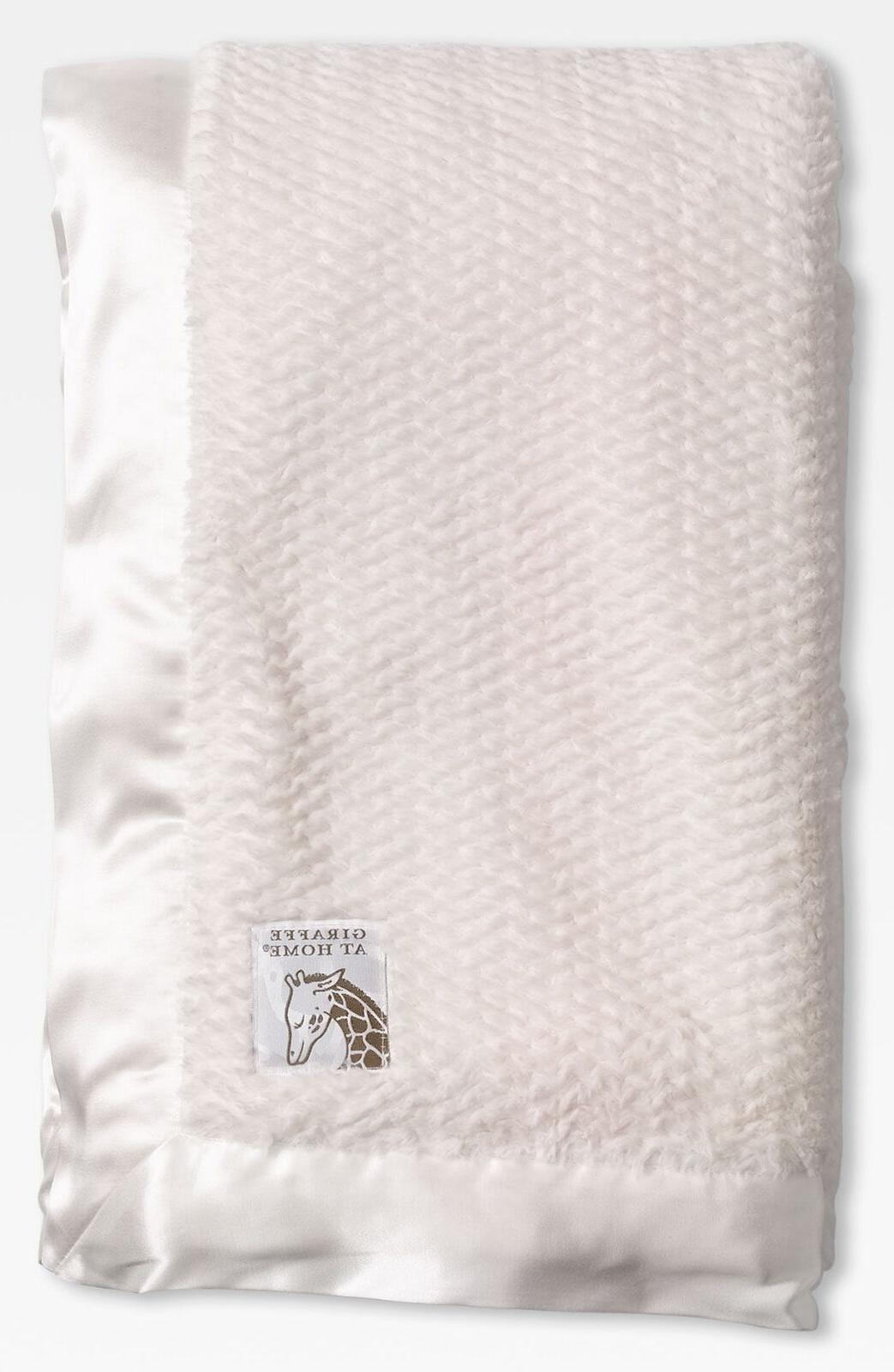 Giraffe At Home 'Luxe Twist' Throw, Size One Size - Ivory