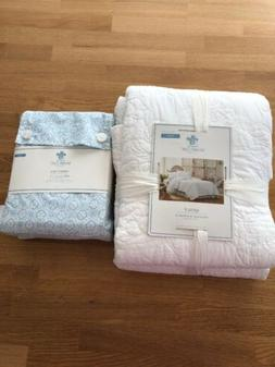 Simply Shabby Chic Rachel Ashwell White Rose Twin Quilt And