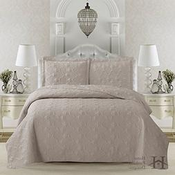 Rossa Collection 3-Piece Luxury Quilt Set with Shams. Soft A