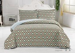 Turner Collection 3-Piece Printed Quilt Set with Shams. Supe